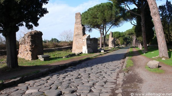 Tombeaux le long de la Via Appia Antica